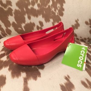 Crocs Sienna Flat in Flame, size 6 NWT